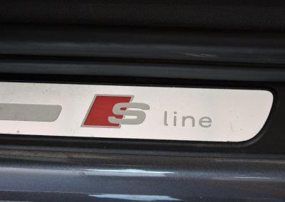 AUDI A4 AVANT S-LINE (25)